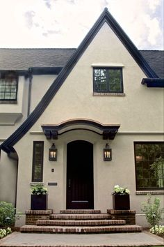 Exterior Paint Colors For House Modern Front Porches 38 Ideas Stucco House Colors, Exterior Paint Colors For House, Paint Colors For Home, Exterior Colors, Paint Colours, Stucco Homes, Stucco Exterior, Tudor Exterior Paint, Black Trim Exterior House