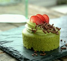 Small matcha  mousse cake...