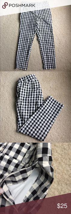 LOFT black & white gingham pants LOFT pants •black & white gingham checkered pattern • Julie straight • belt loops • slant side pockets • back pockets still sewn • Sz 6 • excellent condition • fast same/next day shipping • BUY IT NOW!!! [NOT J. CREW] J. Crew Pants
