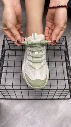 Cool Ways To Tie Shoelaces Amp up your sneaker style with these neat ideas. Ways To Lace Shoes, How To Tie Shoes, Fashion Sewing, Diy Fashion, Ways To Tie Shoelaces, Sewing Hacks, Sewing Projects, Diy 2019, Diy Furniture Table