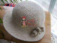 Hat crochet scheme, a hat knit crochet Childrens Crochet Hats, Crochet Kids Hats, Knitted Hats, Knit Crochet, Sombrero A Crochet, Crochet Hat With Brim, Little Cotton Rabbits, Summer Knitting, Vintage Crochet