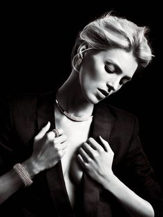Apart Diamond Spring 2014 - By the looks of the Apart Diamond Spring 2014 ad campaign, diamonds really are a girl's best friend. Keeping top model Anja Rubik in good com. Stylish Jewelry, Luxury Jewelry, Black And White Portraits, Black And White Photography, Jewelry Photography, Fashion Photography, Got Costumes, Jewelry 2014, Jewellery