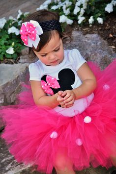 Minnie Mouse-minnie mouse, disney, tutu, hot pink, birthday,