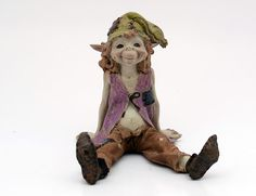 A goblin's name: Sitting Pixies girl  Size: 12,5 cm