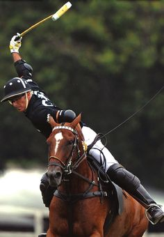 Equestrian helmets might not be the most significant style feeling today, but there are some stories behind them. Equestrian Outfits, Equestrian Style, Equestrian Fashion, Hv Polo, Polo Horse, Outdoor Pictures, Cow Boys, Types Of Horses, Sport Of Kings