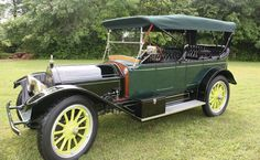 1913 Inter-State Model 45 7-Passenger Touring car.