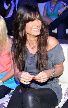 Sandra Bullock ~hair, long bangs - I need my hair to look like this.