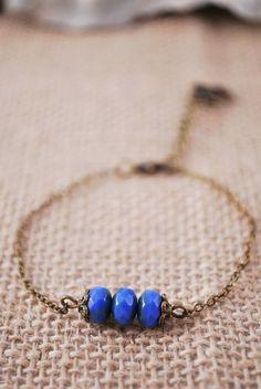 SCHWARZER FREITAG 25 % Rabatt! Winzige blaue Perlen Armband, minimalistischen böhmischen Schmuck, exklusive Boho Kette Armband, Geschenk-Idee für Fre