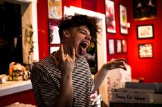 Record Shopping with.. Yungblud
