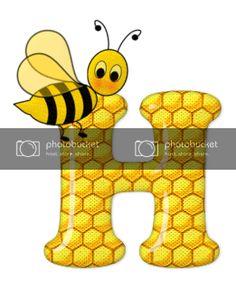Alfabeto de abeja sobre letras de panal. - Oh my Alfabetos! Cute Bee, Blogger Templates, Tigger, Disney Characters, Fictional Characters, Alphabet, Bee Art, Honeycomb, Bees