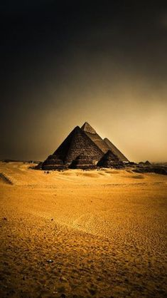 Africa: The Pyramids at Giza, Egypt; ride a camel and see the tomb of King Tut and the Nile River. Ancient Egyptian Architecture, Ancient Egyptian Art, Ancient Ruins, Giza Egypt, Pyramids Of Giza, Egypt Wallpaper, Top Iphone Wallpapers, Torre Eiffel Paris, Luxor