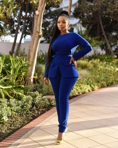 From Blue Mbombo to Bonang Matheba, these style stars know a thing or two about killer looks, S. Each stylish It girl has their own awe-inducing - BellaNaija Style. Classy Dress, Classy Outfits, Chic Outfits, Modest Outfits, African Women, African Fashion, Elegant Office Wear, Corporate Fashion, Professional Attire