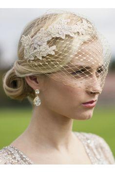 voilette mariée  http://atmospheremariages.fr/1095-3908-thickbox/voilette-mariee.jpg