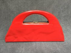 'Jackie O' Red Plastic Vinyl Triangle Top Handle Vintage Purses, Vintage Bags, Vintage Handbags, Mens Designer Watches, Luxury Sunglasses, Fossil Watches, Beautiful Handbags, Triangle Top, Leather Design
