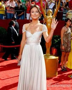 Best Kaley Cuoco Puts On B*Sty Display In Sheer Gown For Show 400 x 300
