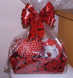 Valentine Gift Baskets, Wedding Gift Baskets, Valentine's Day Gift Baskets, Wedding Gift Boxes, Valentines Day Gifts For Him, Valentine Crafts, Gift Hampers, Wedding Gifts, Creative Gift Baskets