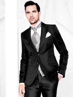 A coleção italiana Carlo Pignatelli é perfeita pra homens que dão valor ao seu estilo. Vejam no Blog da Black Tie: http://www.blacktie.com.br/blog/para-homens-diferenciados/