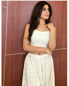 Image may contain: 1 person, standing Kritika Kamra, India Beauty, Beauty Queens, Two Piece Skirt Set, Indian, Actresses, Summer Dresses, Pretty, Cute