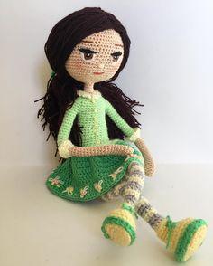Ну очень нежная девочка Куколка Флоренс, девочка-весна)) Рост ровно 25 см.  Заказали куколку с темными волосами.  А все остальное на мое усмотрение) Я влюбилась в нее еще в процессе создания. #кукларучнойработы #кукланазаказ #кукла #куколка #амигуруми #каркаснаякукла #crochet #crochetdoll #crocheting #crochettoy #doll #amigurumi #weamiguru #dollmaker #instadoll #dolloftheday #villy_vanilly_shop #handmade #knitcreativ #mycreative_world #dollmaking #toy #toymaker #творчество #ручнаяработ...