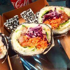 Aujourd'hui c'est #toulousegameshow et pour manger j'ai opté pour des burrito sushi ... très bon et pas excessif au niveau du prix (14€ les deux avec une boisson) #sushi #burrito #burritosushi #cuisinefusion #TGS #mangersurfestival #Toulouse #igerstoulouse #gangofunicorns #miam #blogueusetoulousaine
