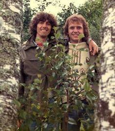 George Harrison and Gary Wright (Dream Weaver).  Gary also played in Ringo Starr's band.