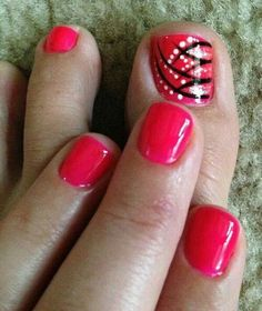 Strips and dots toes nails nail design art red black gold