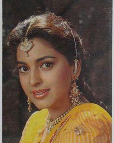 Juhi Chawla, Snake Girl, Actress Wallpaper, Vintage Bollywood, Bollywood Stars, Indian Beauty, Bollywood Actress, Indian Actresses, Insta Pic