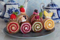 FREE Cake Rolls Crochet Pattern and Tutorial. #Food #Dessert #PlayFood