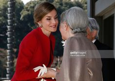 Spain's Queen Letizia (L) is welcomed by Japan's Empress Michiko upon her arrival for a welcoming ceremony at the Imperial Palace in Tokyo on April 5, 2017. The Spanish royal couple is on a four-day state visit to Japan. /