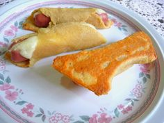 SPLENDID LOW-CARBING BY JENNIFER ELOFF: MIRACLE DOUGH PIGS IN A BLANKET