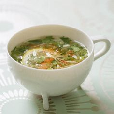 Eat Stop Eat To Loss Weight - Bouillon à la coriandre, gingembre et crevettes - In Just One Day This Simple Strategy Frees You From Complicated Diet Rules - And Eliminates Rebound Weight Gain Super Healthy Recipes, Healthy Foods To Eat, Healthy Cooking, Healthy Eating, Soup Recipes, Cooking Recipes, Asian Recipes, Ethnic Recipes, Skinny Recipes