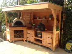 Outdoor-Küche und Pizzaofen - - Outdoor kitchen and pizza oven Outdoor-Küche und Pizzaofen Pizza Oven Outdoor, Outdoor Kitchen Bars, Backyard Kitchen, Summer Kitchen, Outdoor Kitchen Design, Patio Design, Backyard Patio, Rustic Outdoor Kitchens, Simple Outdoor Kitchen