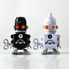 {Salt And Pepper Bots} wind-up robot S shakers?! yes please!