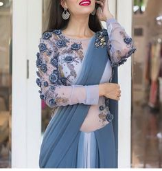 Modern Blouse Designs for Your Gorgeous Look - Fashion Saree Blouse Neck Designs, Saree Blouse Patterns, Bridal Blouse Designs, Modern Blouse Designs, Stylish Blouse Design, Saree Trends, Stylish Sarees, Trendy Sarees, Elegant Saree