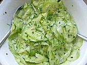 Gurkensalat mit Essig und Öl (Rezept mit Bild) von Jill | Chefkoch.de
