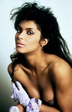 black women models with short hair Vanity Singer, Vanity 6, Beautiful One, Beautiful Black Women, Sandro, Denise Matthews, Female Singers, Classic Beauty, Vintage Beauty