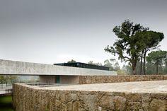 Monção House | Portugal | João Paulo Loureiro Arquitecto | photo by Jose Campos