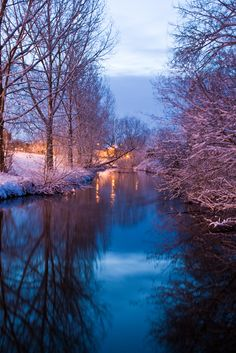 Nantwich in Winter, River Weaver, Cheshire South Manchester, British Countryside, River Bank, Brown Paper Packages, Getting Up Early, Great British, Homeland, Old World, Sunrise