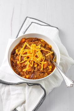 You will want to give this Crockpot Cowboy Casserole a try for dinner this week. A simple Crockpot slow cooker dinner recipe that is warm filling that your family will love. A delicious easy fall comfort food dinner for a fall family meal. Crockpot Cowboy Casserole, Family Meals, Family Recipes, Beef Recipes For Dinner, Slow Cooker, Stuffed Peppers, Fall Family, Warm, Ground Beef