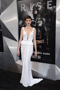 Anne Hathaway at DKR premiere. Love this dress. And her.
