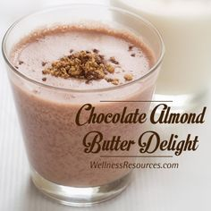 Start the day out right with this protein-packed chocolate & almond butter smoothie! #LeptinDietApproved