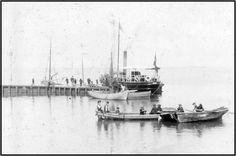 """Den første dampfærge indsættes S/S """"Fanø"""" ved Færgebroen i 1890"""