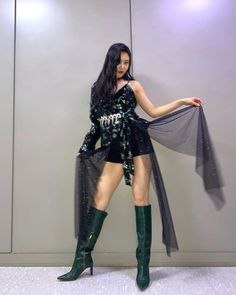 Media Tweets by red velvet pics (@revepics) / Twitter Stage Outfits, Kpop Outfits, South Korean Girls, Korean Girl Groups, Joy Instagram, Red Velvet Joy, Velvet Style, Park Sooyoung, Poses For Pictures