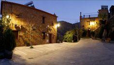 ALMERÍA ABRUCENA. Casas Rurales La Jirola. Ideales para grupos grandes. Casa El Balcón con 5 dormitorios, 2 baños, aseo y gran salón cocina con chimenea. Casa Rural El Mirador con 6 dormitorios, 4 baños (uno con ducha hidromasaje) y 2 salones con cocina y chimenea. Ambas están adaptadas para personas con movilidad reducida. En el exterior, terraza con barbacoa, merendero y piscina. Vistas impresionantes a Sierra Nevada. #casa_grande_en_Almería http://fotoalquiler.com/casasruraleslajirola/