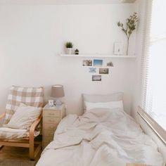 Small room design – Home Decor Interior Designs Clean Bedroom, Home Bedroom, Bedroom Decor, Living Room Decor, Bedroom Inspo, Bedroom Cleaning, Bedroom Ideas, Entryway Decor, Deco Studio