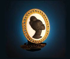 The Black Cameo Collection: The Legends, medium