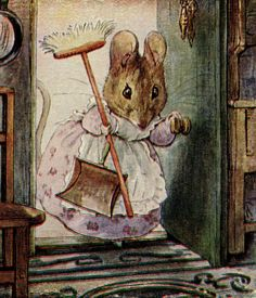 Beatrix Potter children's illustration of mouse with dustpan and broom for Two Bad Mice Beatrix Potter Illustrations, Beatrice Potter, Peter Rabbit And Friends, Marjolein Bastin, Motifs Animal, Alphonse Mucha, Art Graphique, Pics Art, Children's Book Illustration