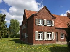 Dieses wunderschöne Bauernhaus von 1880 wird in den nächsten Jahren von uns saniert. Das ganze Projekt auf www.kottenliebe.de