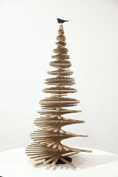 Diy christmas tree 561753753513354550 - Multidimensional – 25 Alternative Christmas Trees To Try This Year – Photos Source by lonnymag Recycled Christmas Tree, Cardboard Christmas Tree, Unique Christmas Trees, Alternative Christmas Tree, Wood Christmas Tree, Christmas Tree Design, Modern Christmas, Christmas Diy, Xmas
