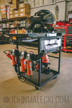 Building The Ultimate Metal Tool Cart In this video I build a custom metal tool cart that holds all of my metal working tools in one place. It has integrated power, storage, and much more. Welding Shop, Welding Rods, Welding Table, Diy Welding, Metal Welding, Welding Projects, Welding Cart Plans, Art Projects, Welding Gear